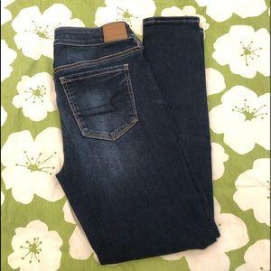 American Eagle Mid-Rise Skinny Jeans 10 Dark Wash